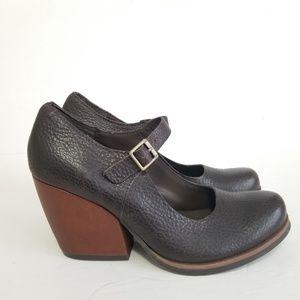 Kork ease size 7 leather heels